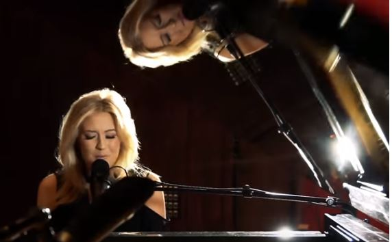 Picture of Rachel Wammack at piano